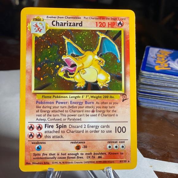 Holo Charizard Base Set 2 Pokémon
